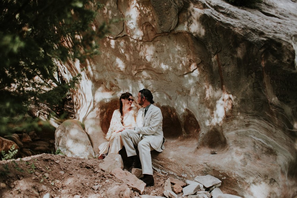 0000000000000000000126_Dwan-Light-Sanctuary-Wedding-Photos_Johnson-Mumford_Rainbow-Wedding_Montezuma-New-Mexico-Wedding-Photography-134.jpg
