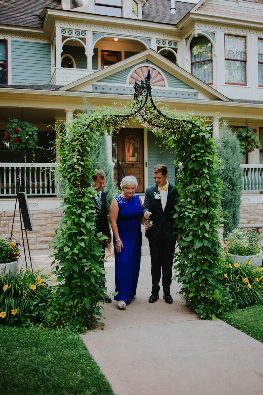 0000000000034_wedgewood-tapestry-house-wedding-photos_felton_tapestry-house-wedding-and-event-center-laporte-fort-collins-colorado-photographer-47.jpg