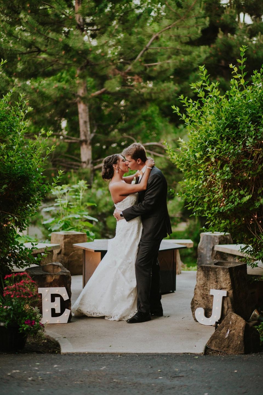 0000000000100_wedgewood-tapestry-house-wedding-photos_felton_tapestry-house-wedding-and-event-center-laporte-fort-collins-colorado-photographer-128.jpg
