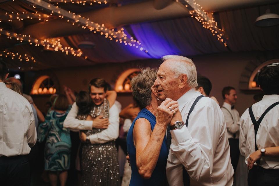 0000000000103_wedgewood-tapestry-house-wedding-photos_felton_tapestry-house-wedding-and-event-center-laporte-fort-collins-colorado-photographer-132.jpg