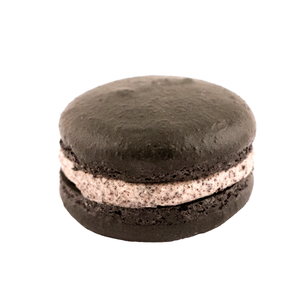 cookies and cream macaron.png
