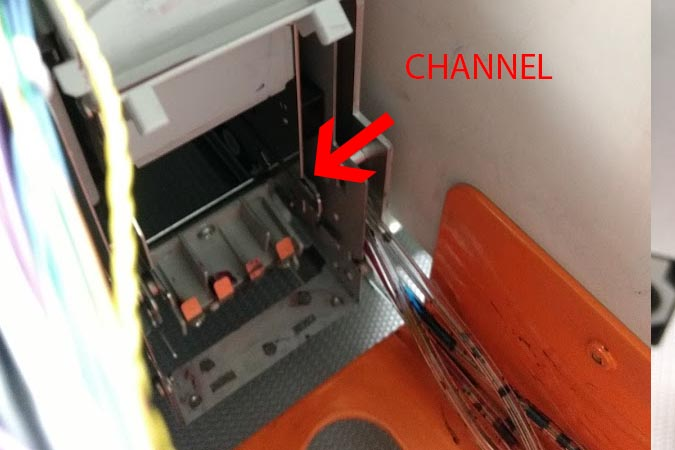 22. Once blade cleaner is seated, install the blade cleaner. The blade cleaner needs to be installed in the following orientation: