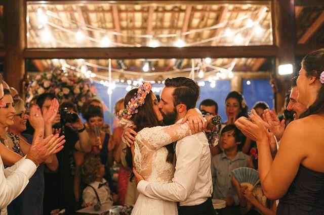 3 anos do nosso sim. Do melhor momento. Do melhor beijo. Da melhor noite. Te amo pra sempre!! @gabrielchiarastelli  #casamento #casamentonocampo #casamentorustico #bodasdecpuro #3anosdosgabis