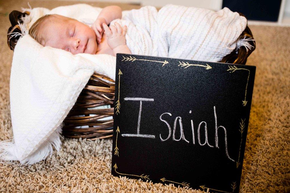 Isaiah_Newborn_15.jpg