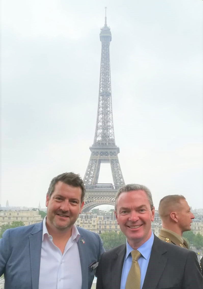 GreyScan Director, Jefferson Harcourt and Defence Industry Minister, Christopher Pyne, enjoying the view in the heart of Paris at a reception hosted by the Australian Ambassador to France at the Australian Embassy.