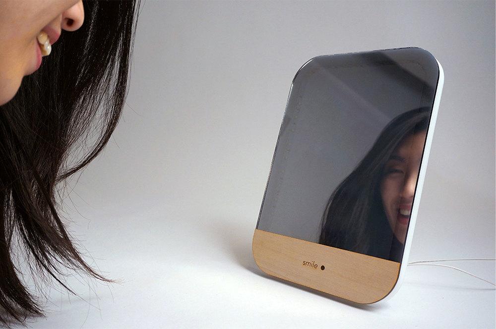 smile-mirror_2_3-__ILHAN_1500.jpg