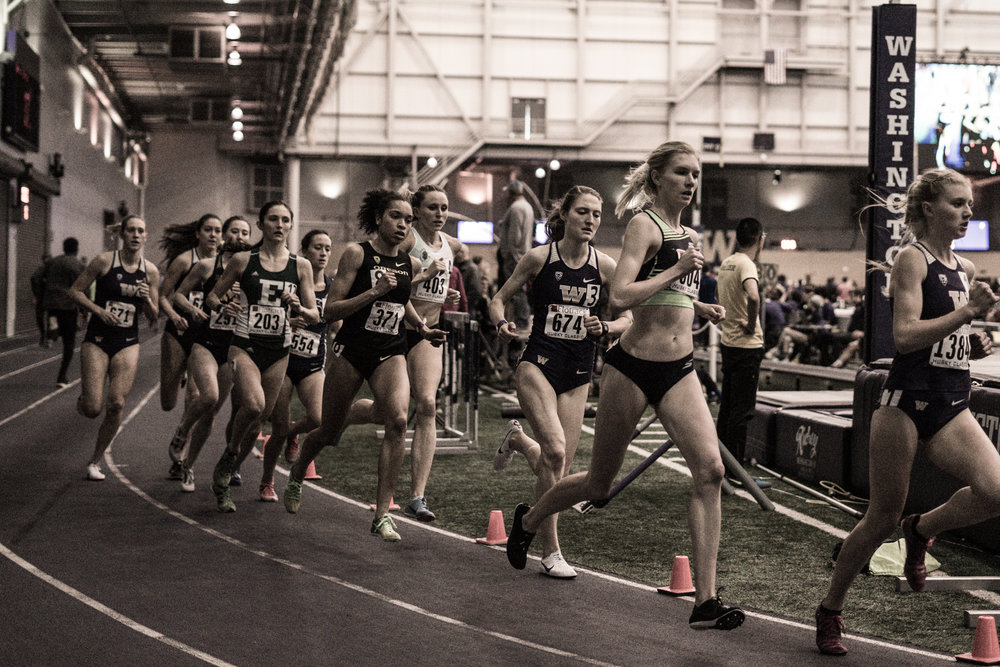 Eleanor Fulton (2nd from right) en route to a personal best mark of 4:34 in the indoor 1 Mile at the 2018 Husky Classic.
