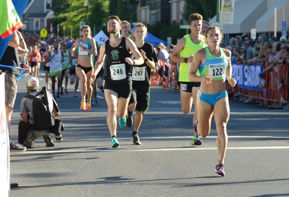 Anna Connor (#122) competes at the 2017 Bend Road Mile Classic.