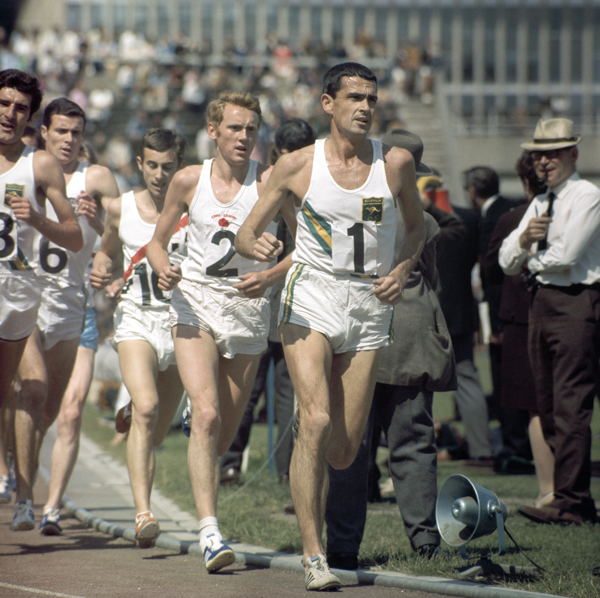 Ron Clarke, in the lead.