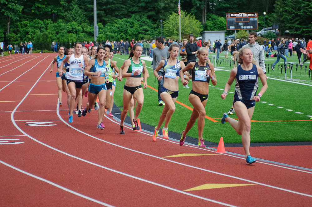 2:04 / 4:33 (1M) former Georgetown Hoya and new HPW Elite athlete Andrea Keklak (far right).