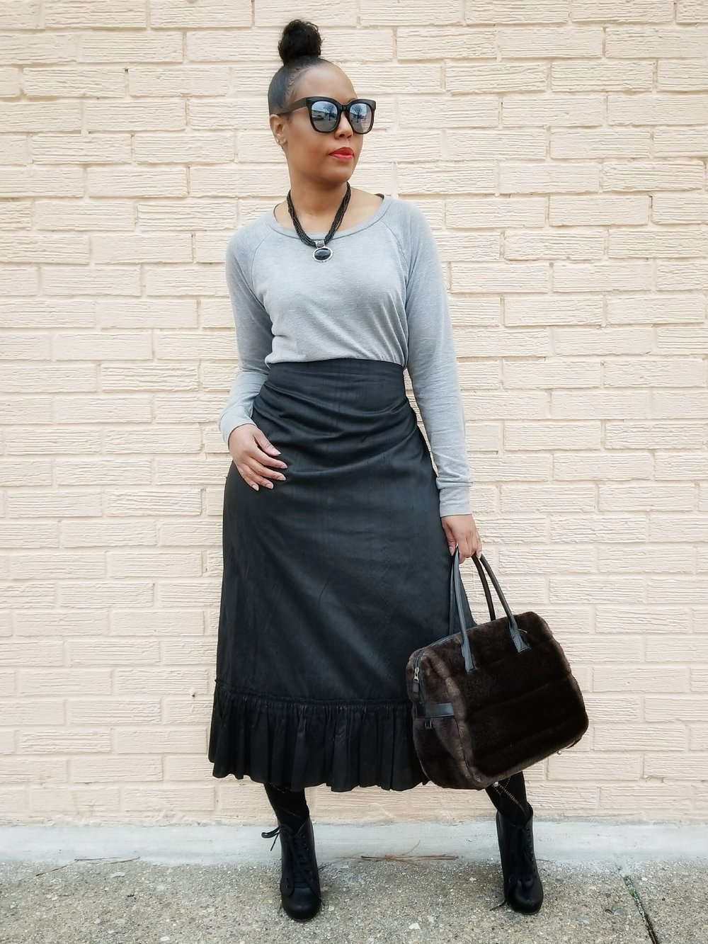 Sweatshirt (Forever21) Alternatives  here  | Skirt (old) | Booties (old)