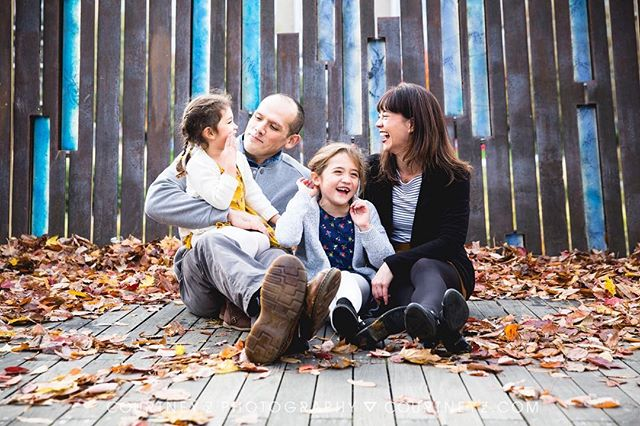 One of my favorite things about minis is seeing the same kiddos each year! 💗👧🏻👦🏾👱🏼♀️👩🏻🧑🏿👶🏽👦🏼💗 Stay tuned for more details soon. I'm finally starting to get myself re-organized after the end of wedding season. . . . . . #portlandfamilyphotographer #portlandholidays #fallinportland #pdxfamilyphotographer #thefamilythatlaughstogether #pdxkids #portlandkids #portlandfamily #familyportraits #pnwfamily #tannerspringspark #thepearl #pearlportland #nwportland