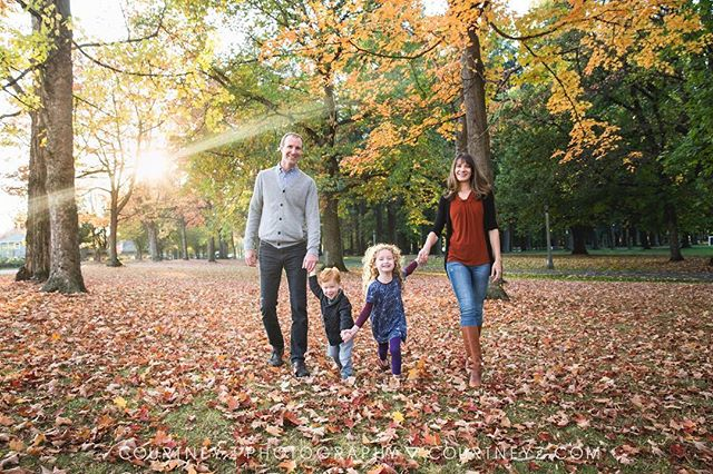 This weekend was so PERFECT for fall family photos in the leaves! Powering through all the editing so I can share these ASAP. 👨👩👧👦💗🍁 . . . . . #nopo #northportland #portlandfamilyphotographer #fallinportland #portlandfamily #pdxkids #fallinthepnw #pnwfall #portlandfall #realfamilyphotos