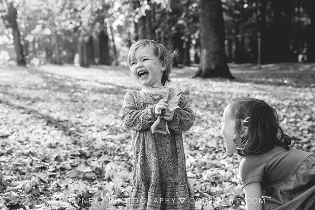 Yes we did have THIS much fun during our fall, mini sessions. 😆👧🏻💗