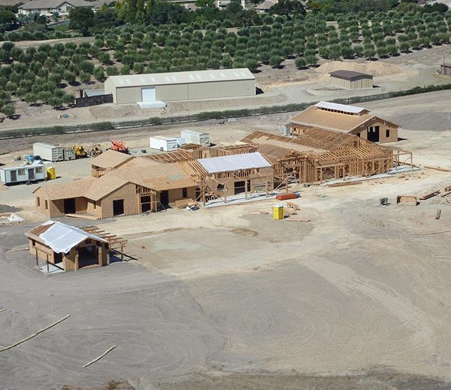 Aerial view of the construction on this beautiful Santa Ynez Valley custom house!! #californiaarchitecture #montecito #santabarbara #santaynez #santaynezvalley #mtbconstruction #construction #contractor #buildersofig