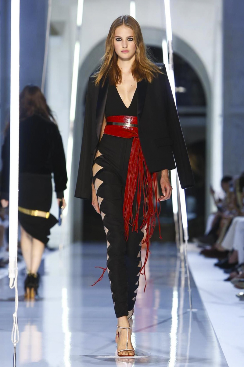 Alexandre-Vauthier-Couture-FW15-Paris-2948-1436295938-bigthumb.jpg