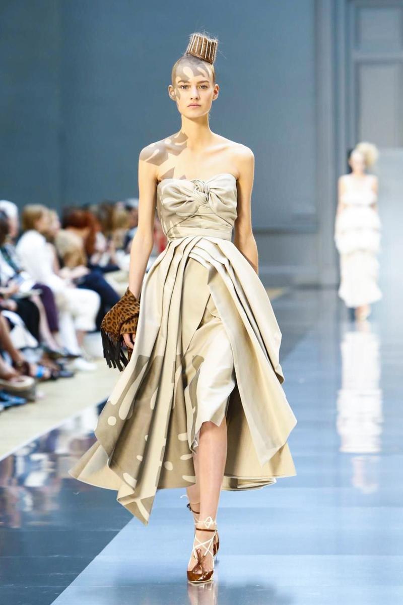 maison-margiela-couture-fw15-paris-9192-1436347606-bigthumb.jpg