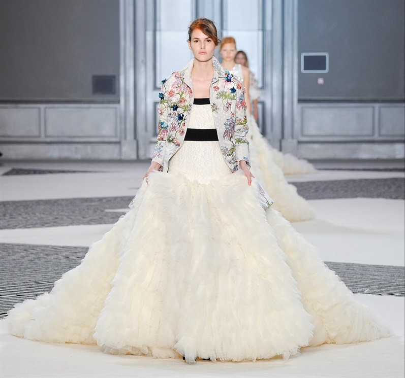 Haute Couture Giambattista Valli.jpg