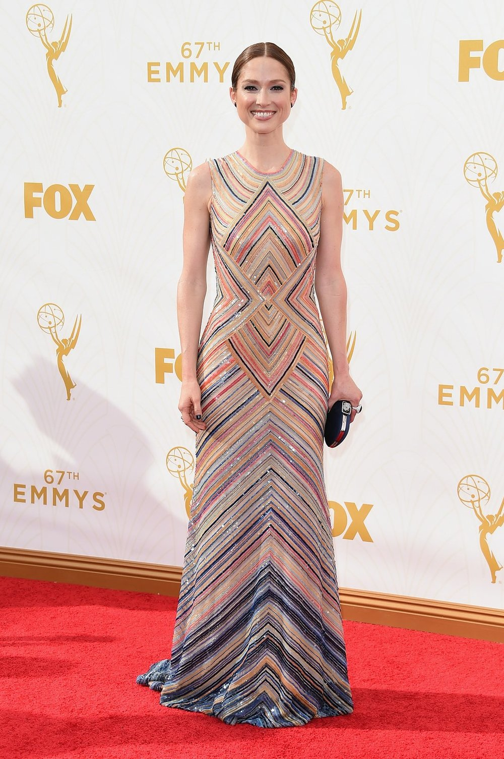 ellie-kemper-emmys-red-carpet-2015.jpg