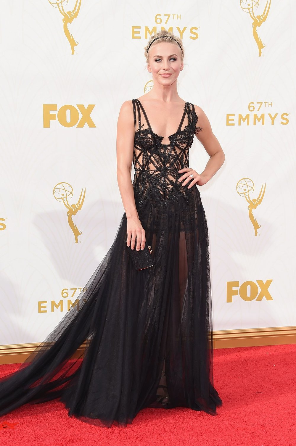 julianne-hough-emmys-red-carpet-2015.jpg