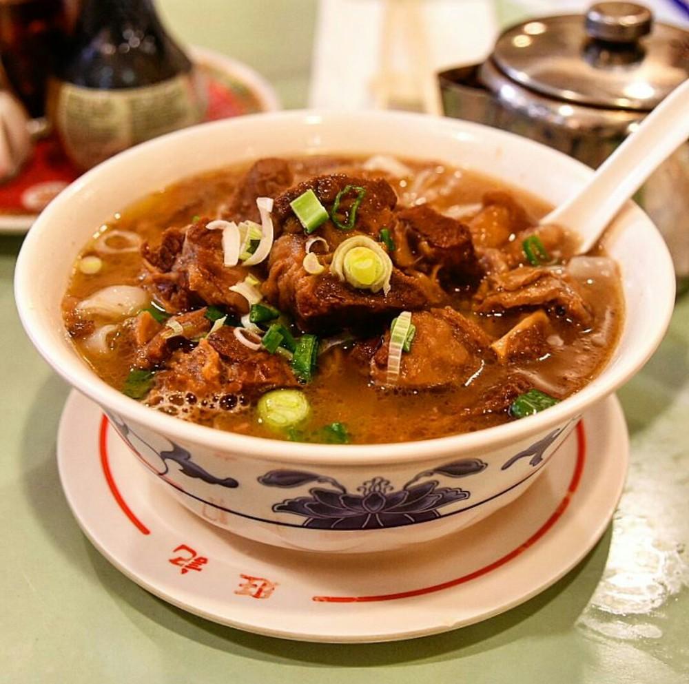 beef brisket ho fun from Wong Kei