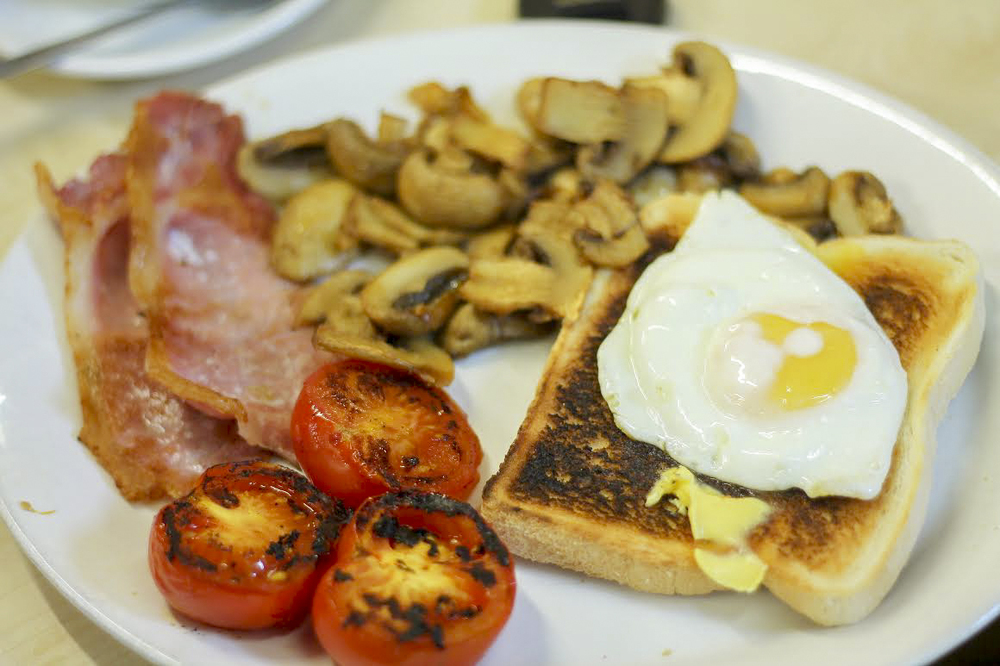Full English breakfast at E Pellicci