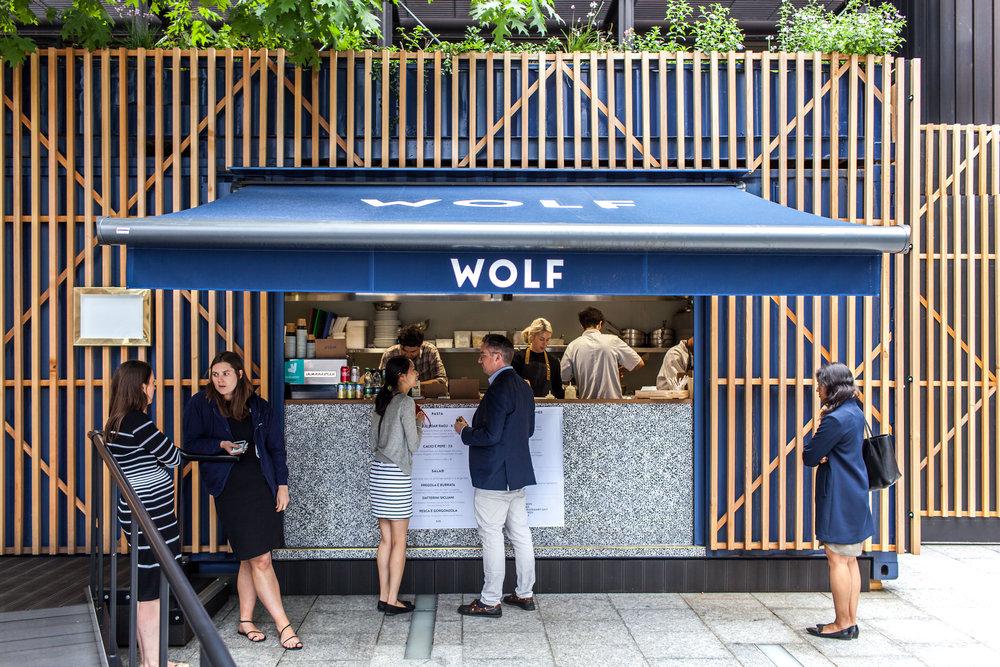 Wolf, Broadgate
