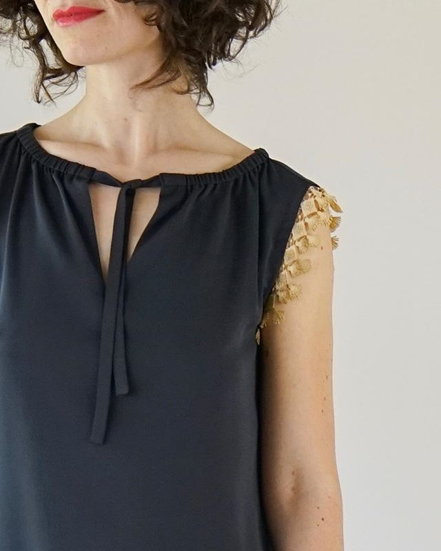 Details ✨ Tie neck dress in charcoal silk and embroidered trim. #oneofakindfashion #fashiondetails #slowfashion #marirozacollection 📷: @_ghost_sf_ || model: Nairi