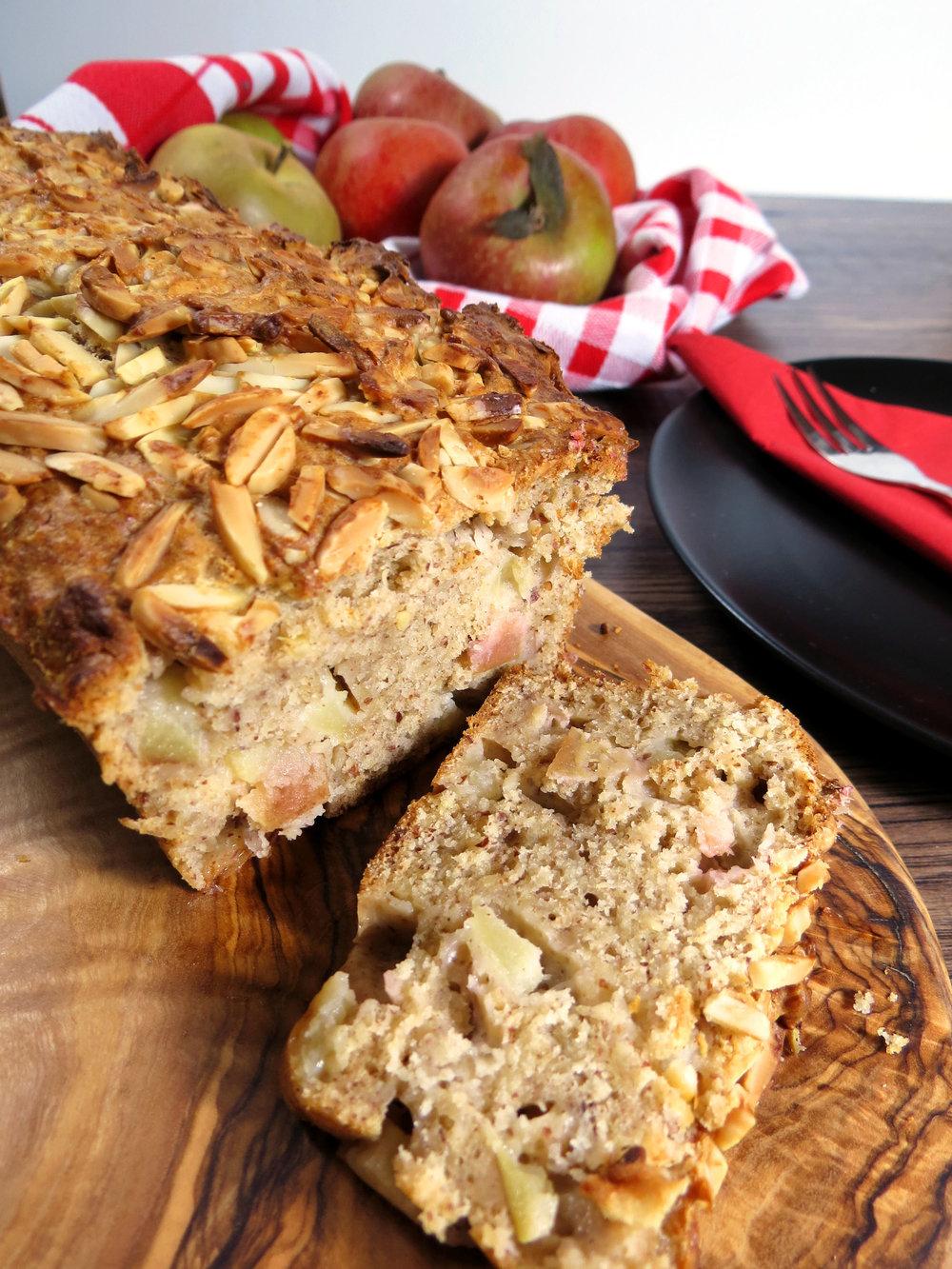 Saftiger Apfel-Spekulatius Kuchen {Vollwert & zuckerfrei} - Kitchen-Impossible.com