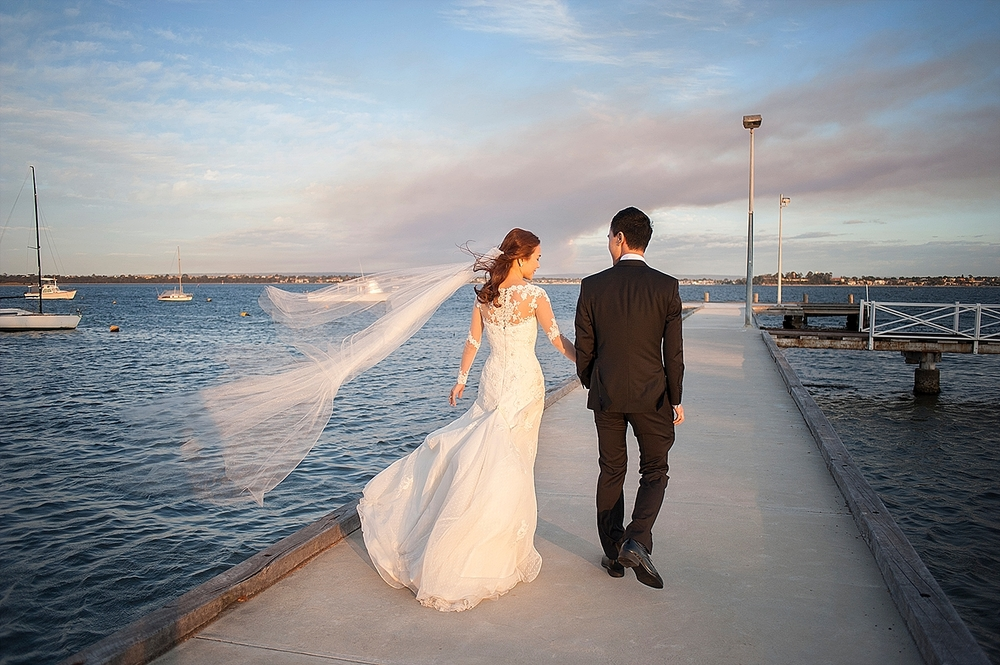 wedding photos on jojos acqua viva jetty perth