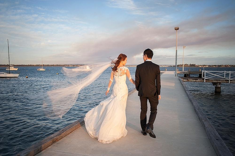 wedding photos on jojos acqua viva jetty perth