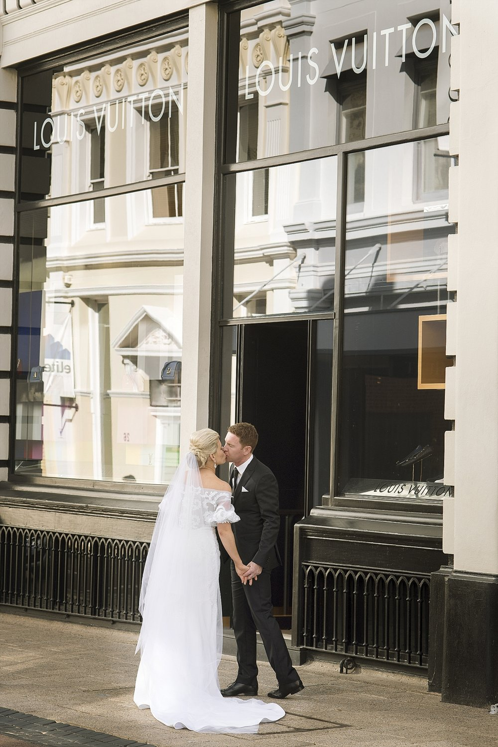 36wedding photos on king st perth44.jpg