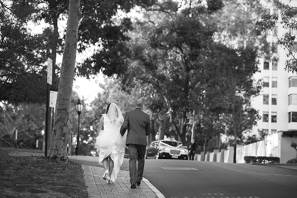 14_perth wedding photographers deray and simcoe.jpg
