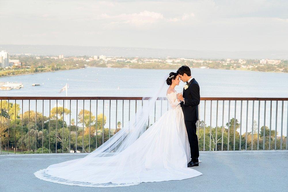 79_wedding couple in kings park perth.jpg