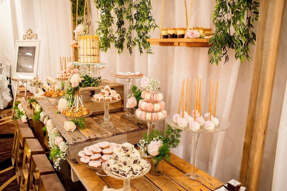 37_vines resort dessert bar wedding perth.jpg