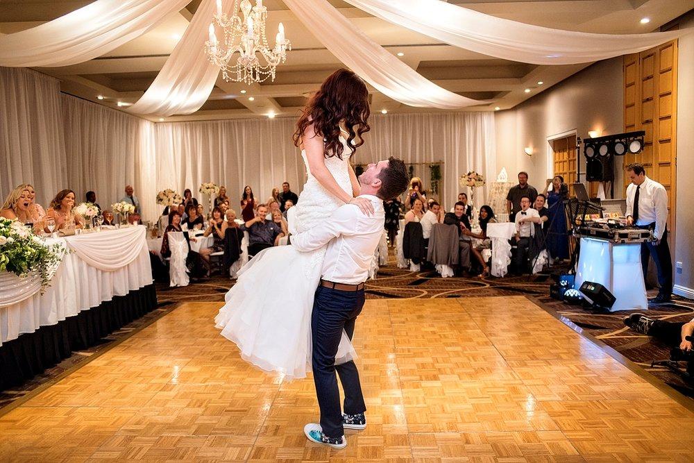 43_vines resort first dance wedding perth.jpg