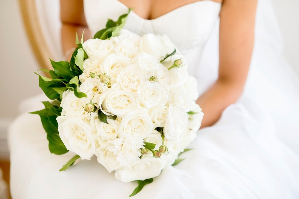 17_classic white rose bouquet wedding perth.jpg