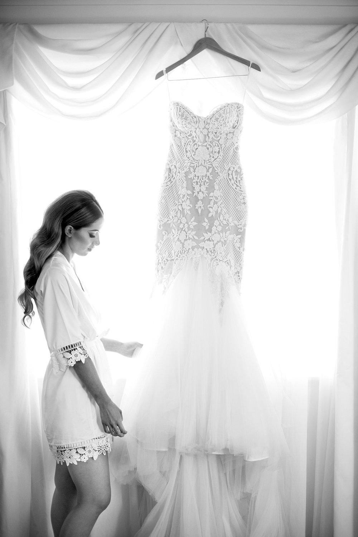 07 leah da gloria gown wedding perth deray simcoe.jpg