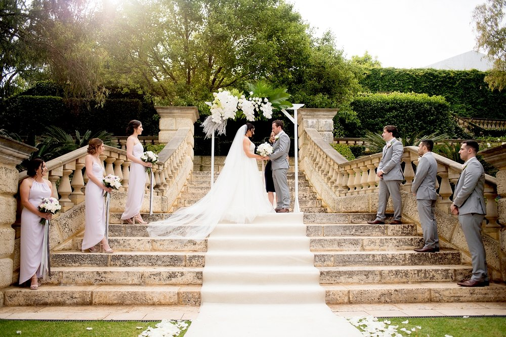 18_caversham house limestone steps wedding perth.jpg