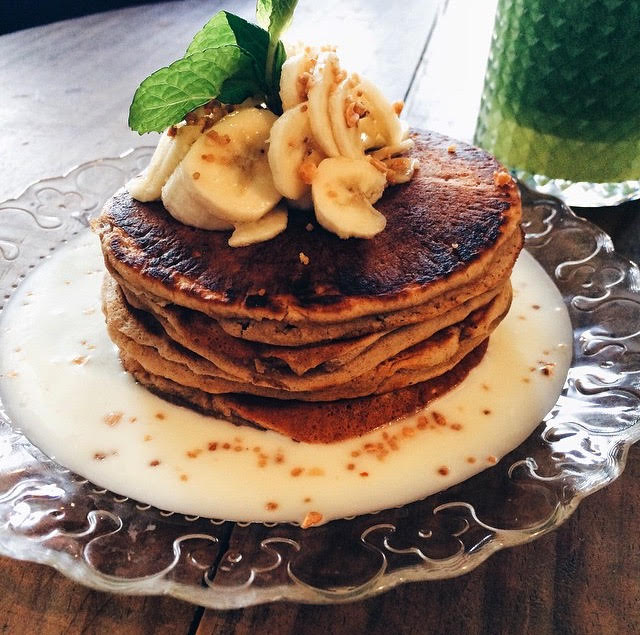 Pancakes with white chocolate at Granja Petitbo, Barcelona