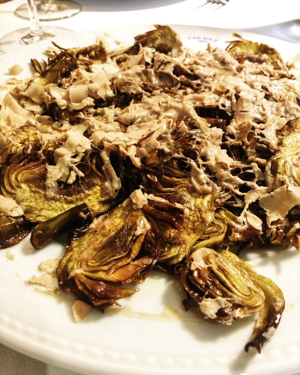 Fried artichoke with foie gras, Can Solé