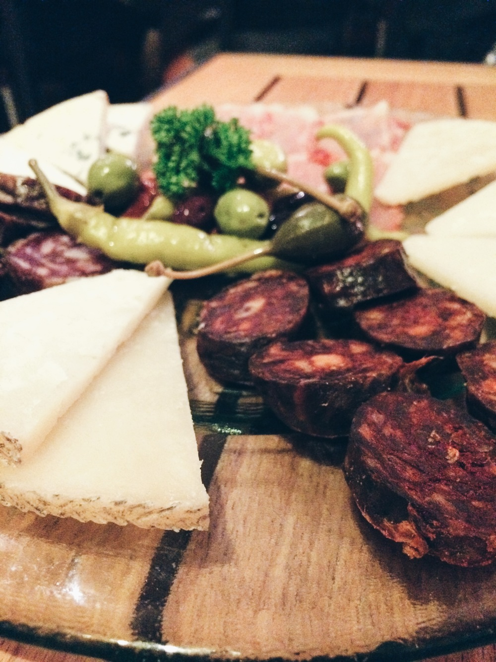 A board of cheeses and cured meats at 13%, Palma de Mallorca