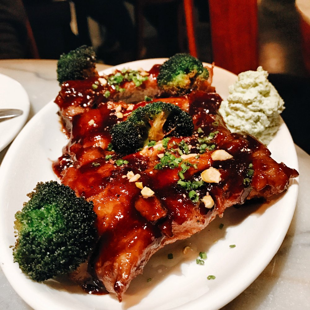 Cantonese Pork Ribs with Broccoli at Servicio Continuo, Barcelona
