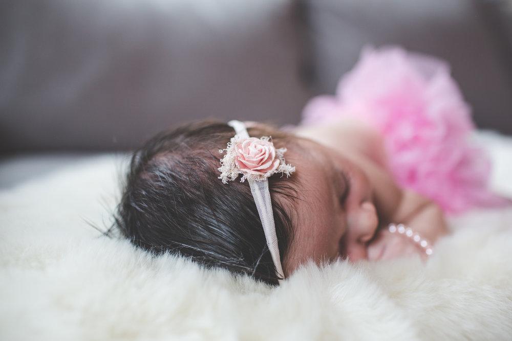 newborn lifestyle photography session