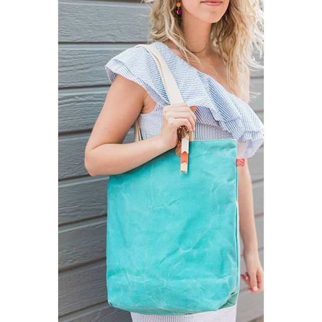 Backpack out, tote in. When you want to look cute AND practical this tote will do it for you. Teachers, this one will hold ALL the things 😘
