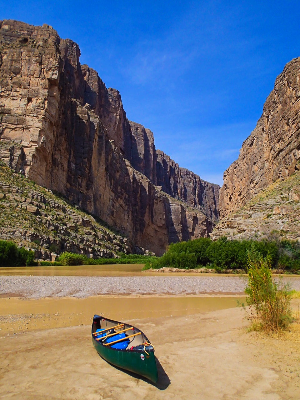 Canoeing Santa Elena Canyon Big-Bend National Park, Texas