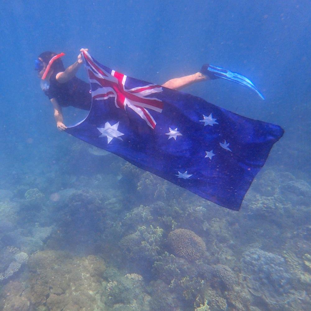Aussie-Flag-Underwater