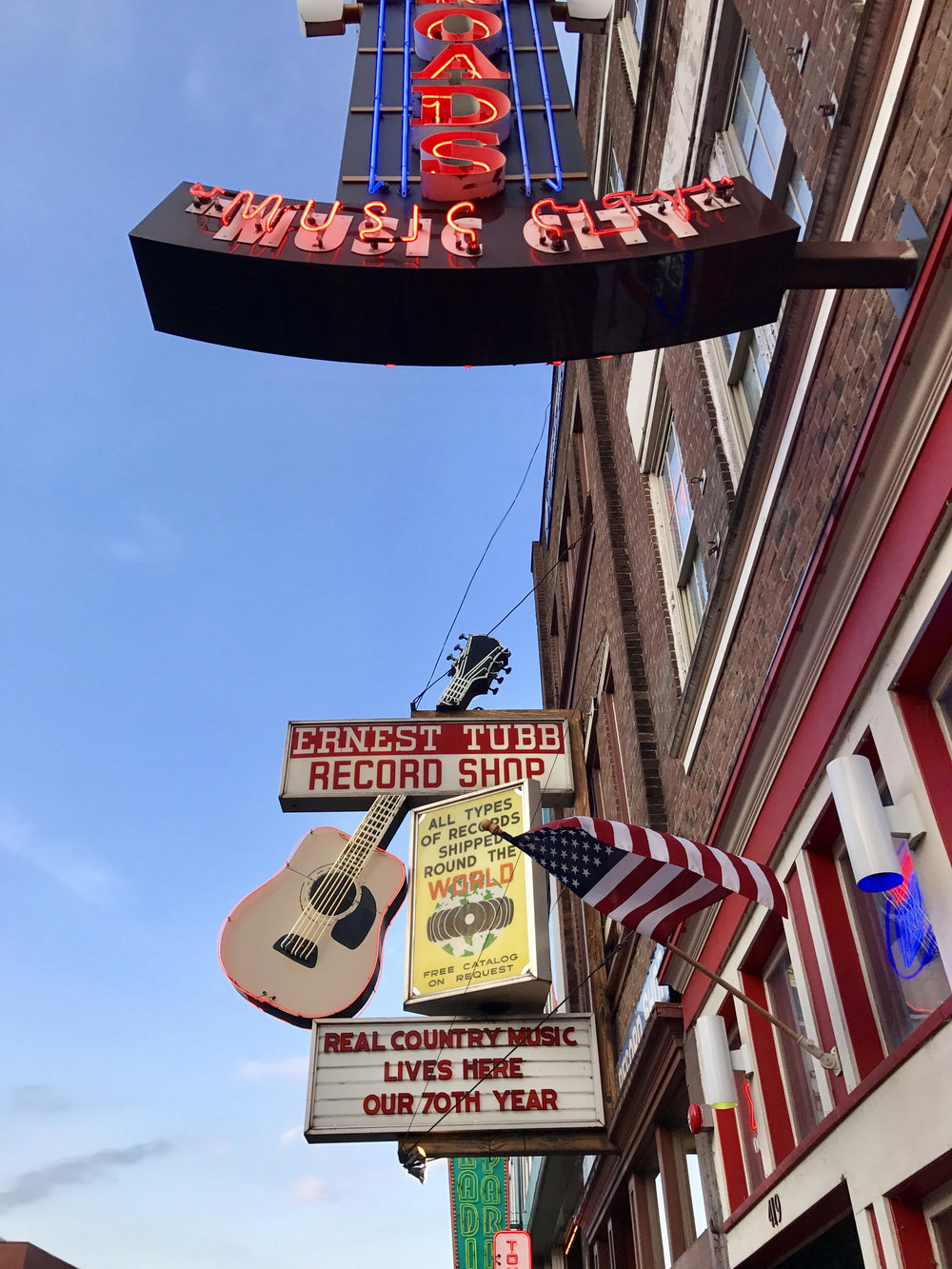 Broadway Street, home of live music - Nashville