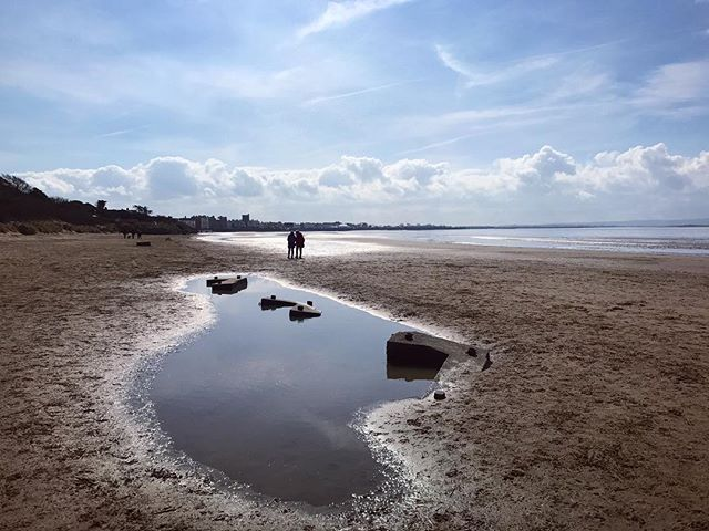 Such a beautiful walk up Burnham beach this morning. It definitely felt like Spring 👍🏻. #burnhamonsea #somerset #beach #sea #coast #seaside #bythesea #igerssomerset