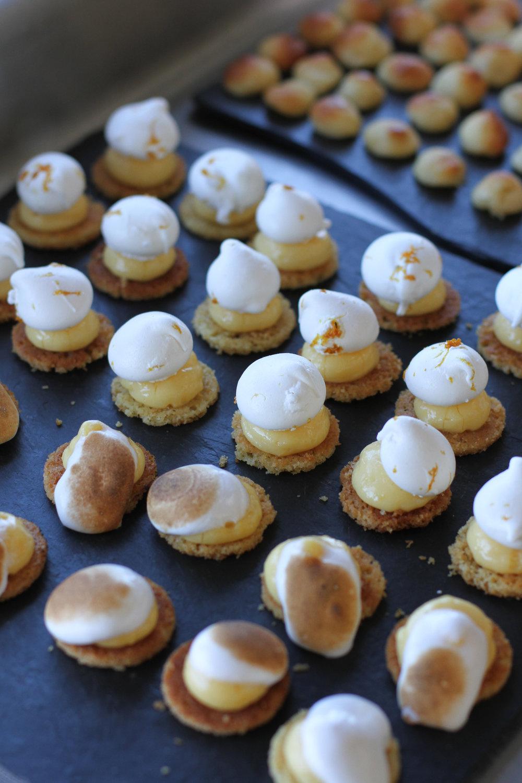 Les desserts du Fresh Connections, restaurant-bus éphémère et itinérant propose unecuisine bistronomique, des apéritifs dînatoires ou du food truck àemporter.